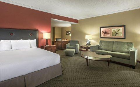 Hilton Charlotte Executive Park - King Suite Living Room