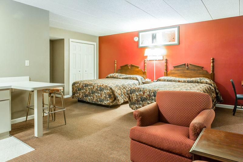 Econo Lodge - Groton, CT