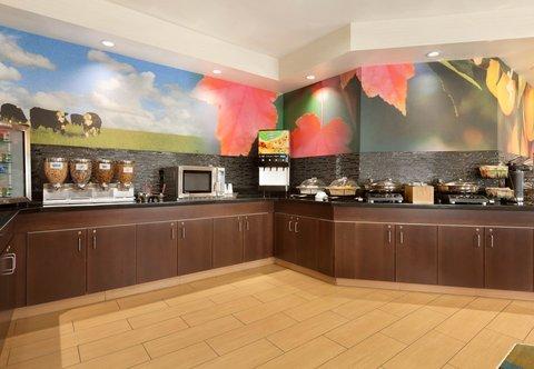 Fairfield Inn Longview Hotel - Breakfast Buffet