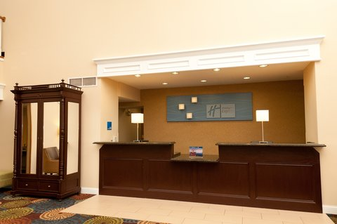 Holiday Inn Express & Suites BLOOMINGTON CITY CENTER-NORMAL - Front Desk