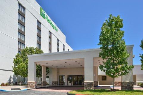 Holiday Inn - Hotel Exterior