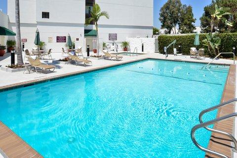 Holiday Inn - Swimming Pool