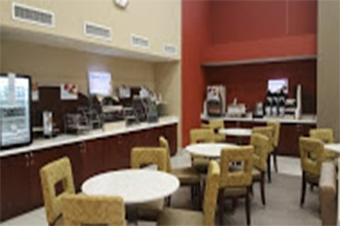 Holiday Inn Express & Suites LANTANA - Breakfast Area
