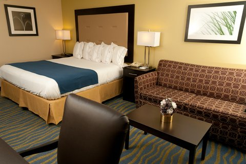 Holiday Inn Express & Suites BLOOMINGTON CITY CENTER-NORMAL - Guest Room