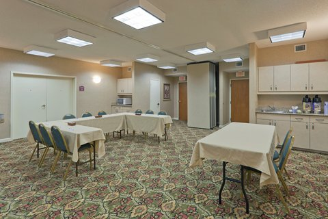 Holiday Inn Express & Suites FULTONDALE - Conference Room