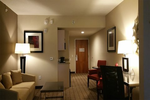 Holiday Inn Express & Suites LANTANA - Suite