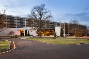 Hotels Near Garden State Exhibit Center
