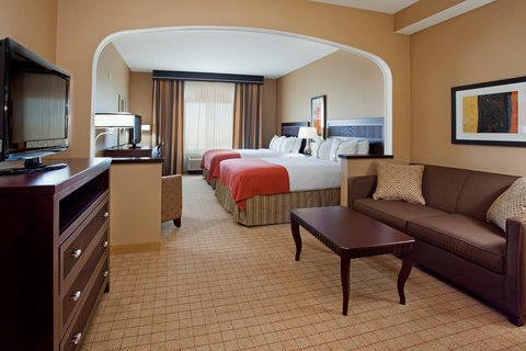 Holiday Inn Hotel & Suites DENVER AIRPORT - Living Area In Suite With Two Queen Beds Near DIA