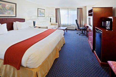 Holiday Inn Express ELLENSBURG - King Bed Guest Room