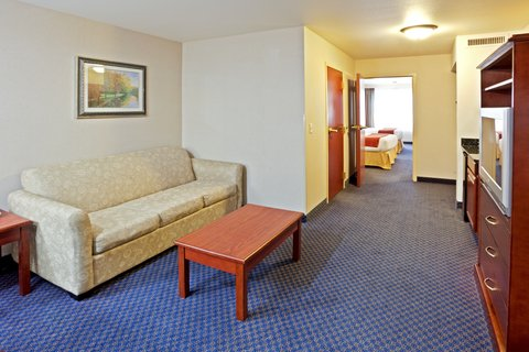 Holiday Inn Express ELLENSBURG - Two Queen Presidential Suite