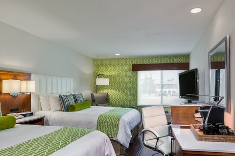 Holiday Inn Express ANAHEIM MAINGATE - Two Queen Bedded Guest Room