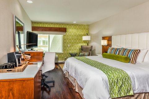Holiday Inn Express ANAHEIM MAINGATE - Hotel Indigo Anaheim King Bed