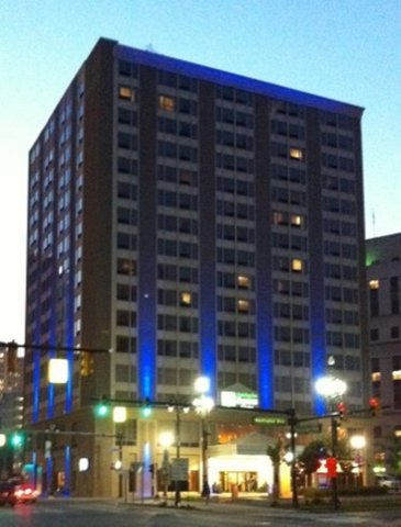 Holiday Inn Express & Suites DETROIT DOWNTOWN - Exterior at Night