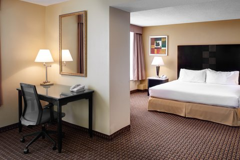 Holiday Inn Express & Suites DETROIT DOWNTOWN - Guest Room