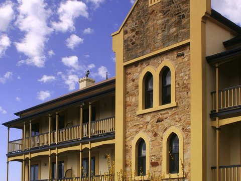 Grand Mercure Mount Lofty House - Exterior
