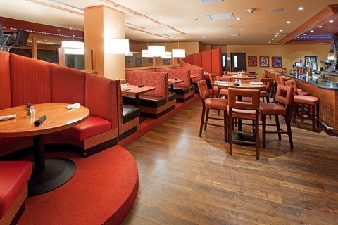Holiday Inn Hotel & Suites DENVER AIRPORT - Sporting News Grill--Bar Area
