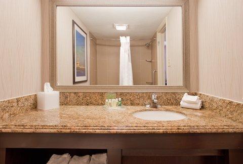 Holiday Inn Resort GALVESTON-ON THE BEACH - Guest Bathroom