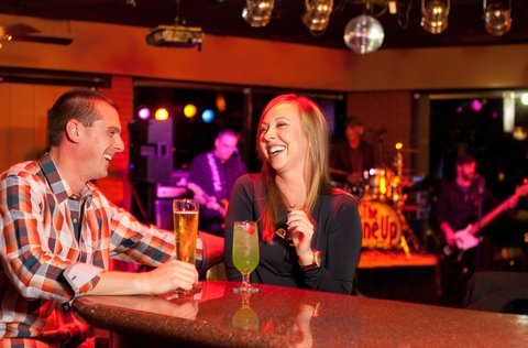 Holiday Inn Resort GALVESTON-ON THE BEACH - Bar and Lounge