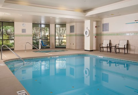Courtyard Greenville-Spartanburg Airport - Indoor Swimming Pool and Spa