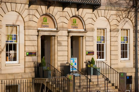 Holiday Inn Express EDINBURGH CITY CENTRE - Ideally located city centre hotel in a Goergian style building