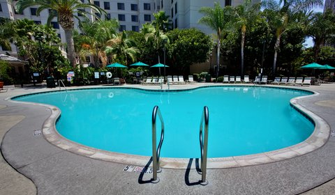 Holiday Inn Anaheim Resort - After a day at Disneyland take a relaxing dip in the whirlpool