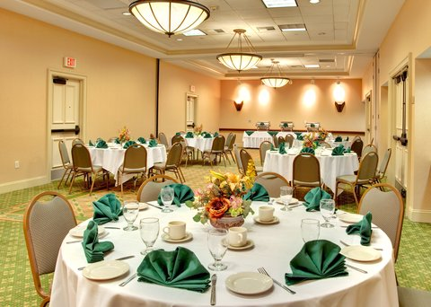 Holiday Inn Anaheim Resort - Our catering team will service your banquet or reception