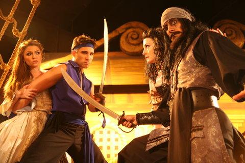 Holiday Inn Anaheim Resort - Aaargh The Pirates Dinner family show