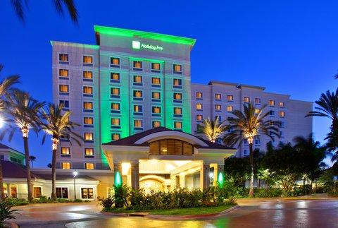 Holiday Inn Anaheim Resort - Holiday Inn Anaheim Resort Area Welcomes Your Family