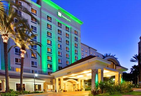 Holiday Inn Anaheim Resort - Full Service Anaheim hotel includes free parking