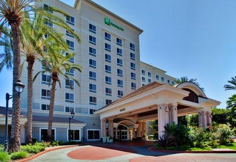 Holiday Inn Anaheim Resort - Beautiful resort just 1 mile from Disneyland
