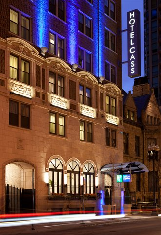 Holiday Inn Express CHICAGO - MAGNIFICENT MILE - Hotel Exterior