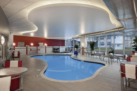 Hampton Inn and Suites Madison Downtown - Indoor Pool