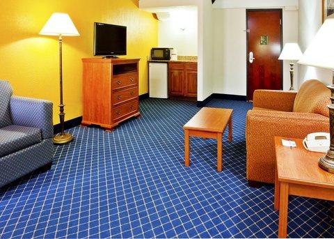 Holiday Inn Express & Suites NASHVILLE-I-40&I-24(SPENCE LN) - Junior Suite
