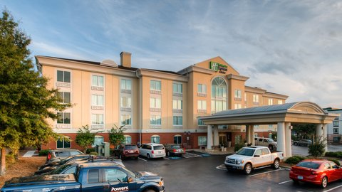 Holiday Inn Express & Suites COLUMBIA-I-26 @ HARBISON BLVD - Holiday Inn Express   Suites - Columbia Harbison