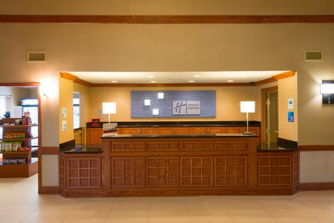 Holiday Inn Express & Suites CHICAGO WEST-ROSELLE - Newly remodeled Holiday Inn Express near Medinah Country Club