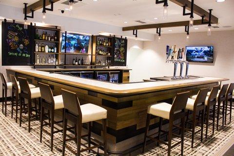 Holiday Inn Anaheim Resort - Restaurant