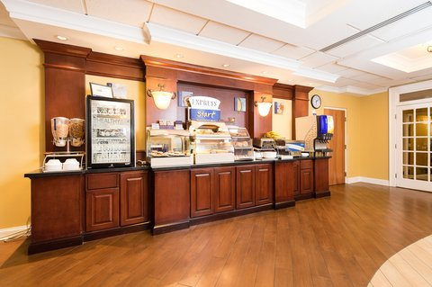 Holiday Inn Express & Suites COLUMBIA-I-26 @ HARBISON BLVD - Complimentary Hot Buffet Breakfast