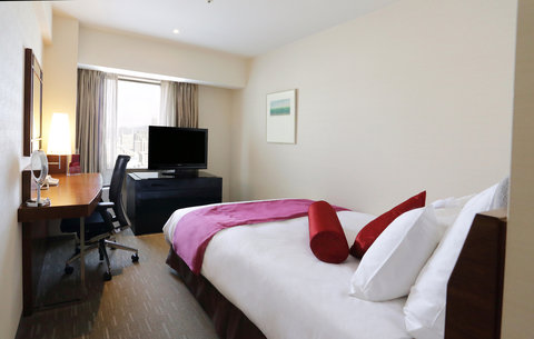 Crowne Plaza ANA HIROSHIMA - Queen Bed Guest Room Club Floor