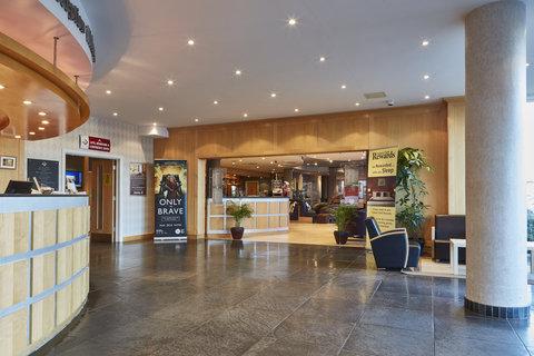 Future Inn Cardiff Bay - Reception Area at Future Inn Cardiff