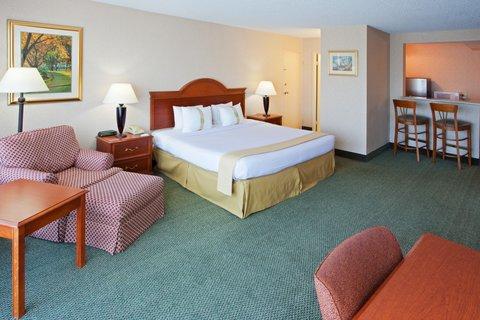 Holiday Inn CHARLOTTESVILLE-UNIV AREA - Spacious King Executive Room