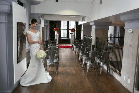 Hotel Indigo NASHVILLE - Hotel Indigo Wedding Ceremony