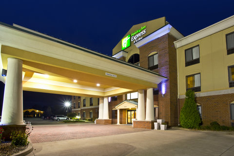 Holiday Inn Express & Suites GOSHEN - Hotel Exterior