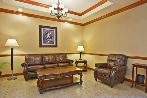 Holiday Inn Express & Suites GOSHEN - Hotel Lobby
