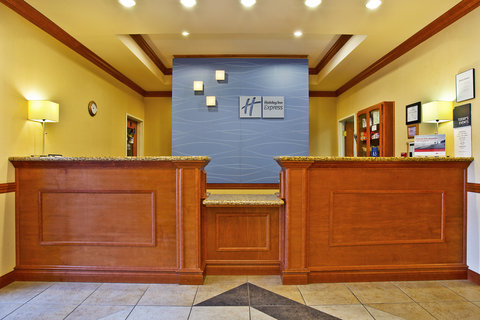 Holiday Inn Express & Suites GOSHEN - Front Desk