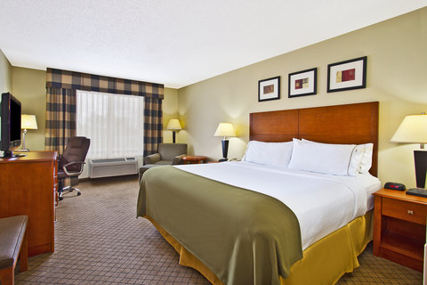 Holiday Inn Express & Suites GOSHEN - Guest Room