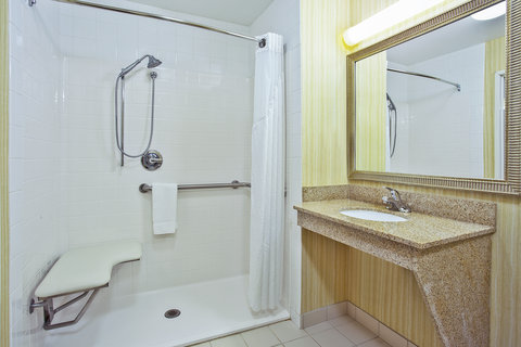 Holiday Inn Express & Suites GOSHEN - Wheelchair Accessible