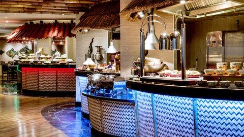 فندق كراون بلازا ديرة دبي - Spice Island Buffet Stations