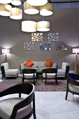 فندق كراون بلازا ديرة دبي - Aquarium Lounge