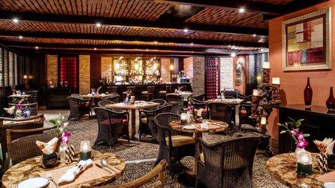فندق كراون بلازا ديرة دبي - Tiki Bar