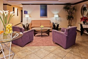 Lobby - Holiday Inn Express Hotel & Suites Hixson